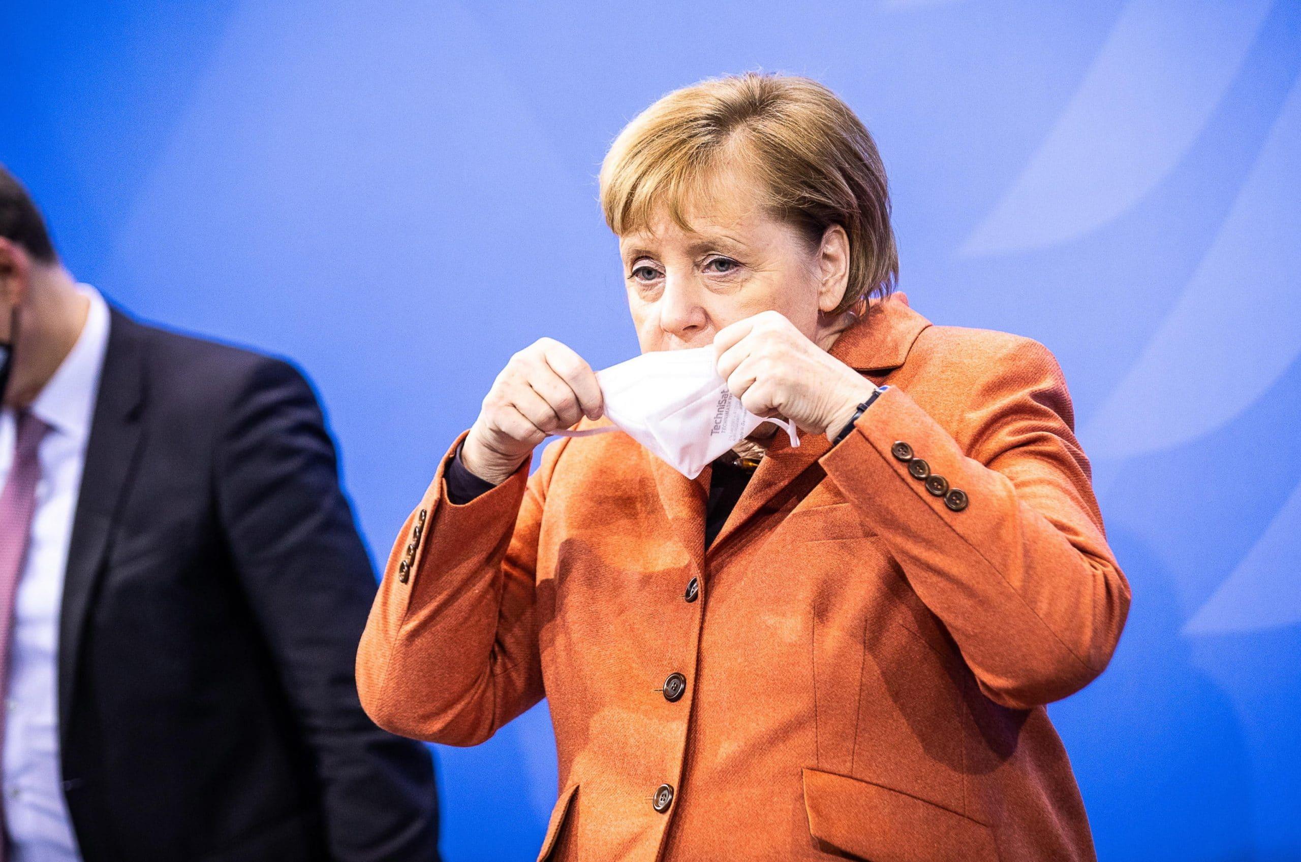 Angela Merkel annuncia il lockdown totale