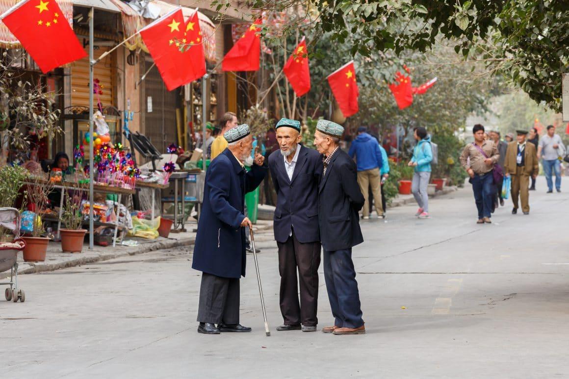 cina-uiguri-bandiere