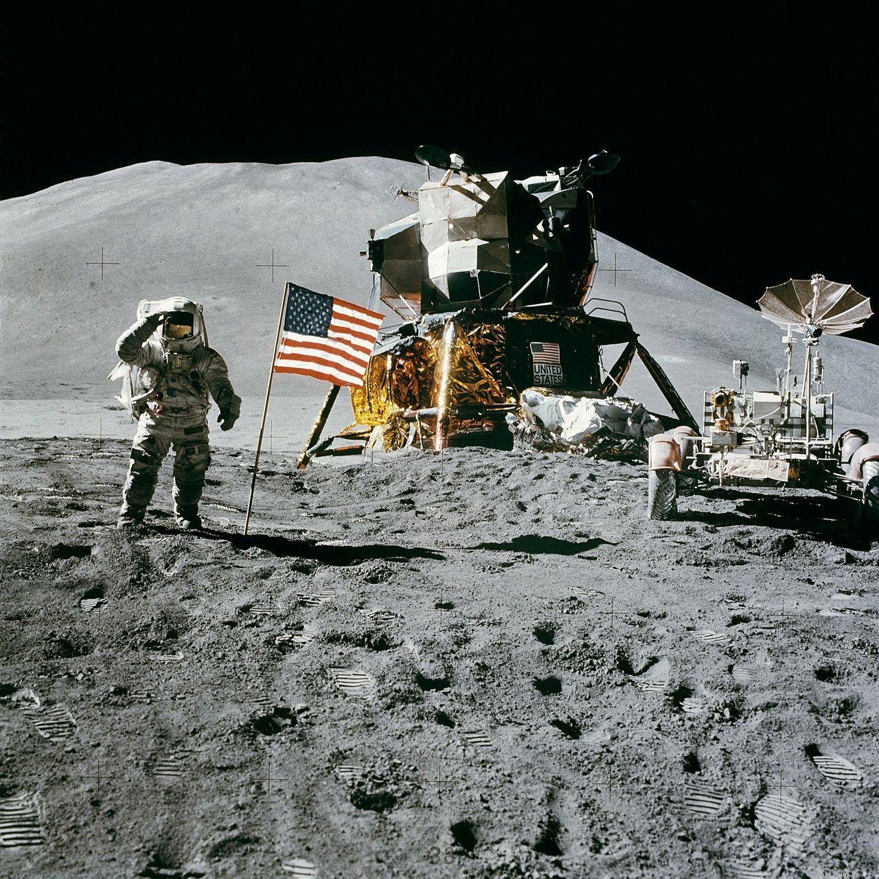 teoria del complotto lunare