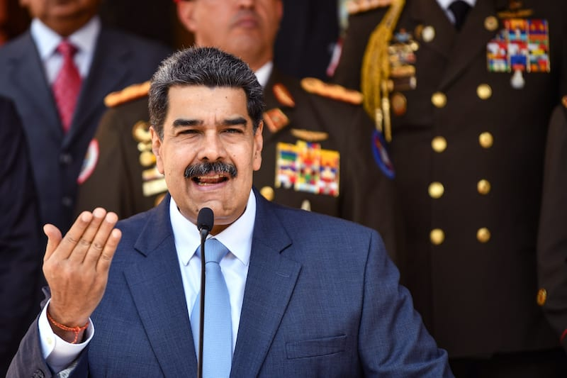 Maduro sospeso da Facebook