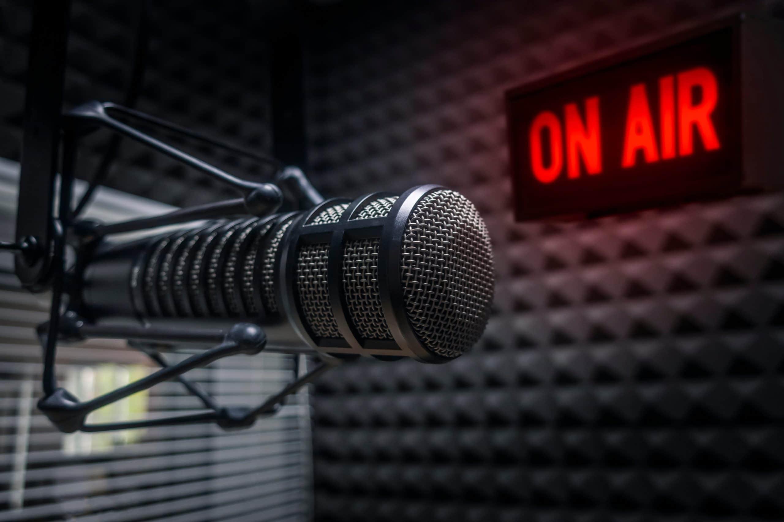 microfono-radio-podcast